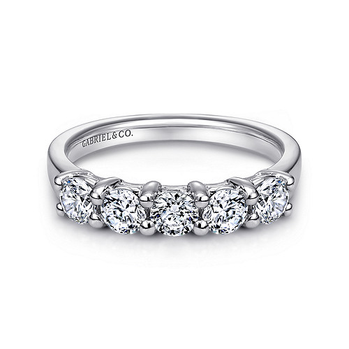 3a8f96d86b5db1 14k White Gold Round 5 Stone Diamond Anniversary Band