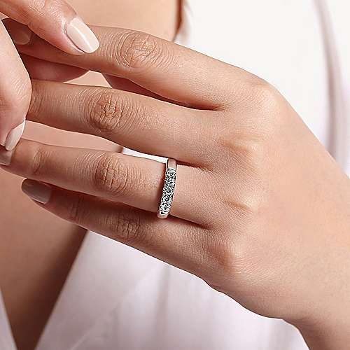 14K White Gold 5 Stone French Pavé Diamond Wedding Band