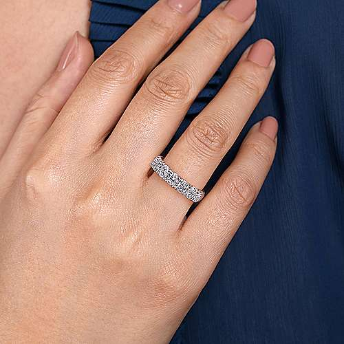 14K White Gold 7 Stone French Pavé Set Diamond Wedding Band