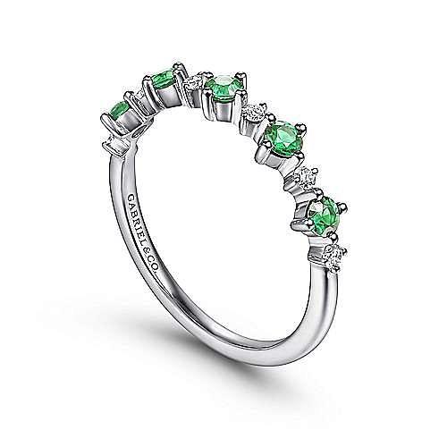 14K White Gold Alternating Round Diamond and Emerald Ring