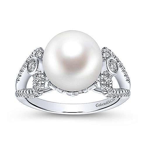 14K White Gold Classic Cultured Pearl & Diamond Split Shank Ring