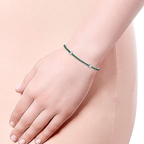 14K White Gold Emerald Tennis Bracelet with Round Diamond Stations