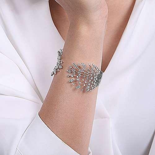 14K White Gold Fashion Bangle