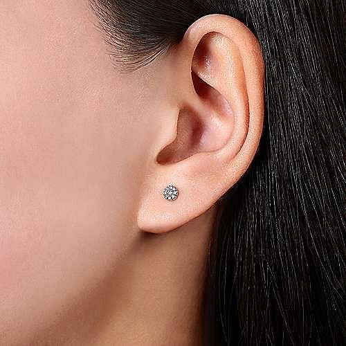 14K White Gold Floral Round Diamond Stud Single Earring