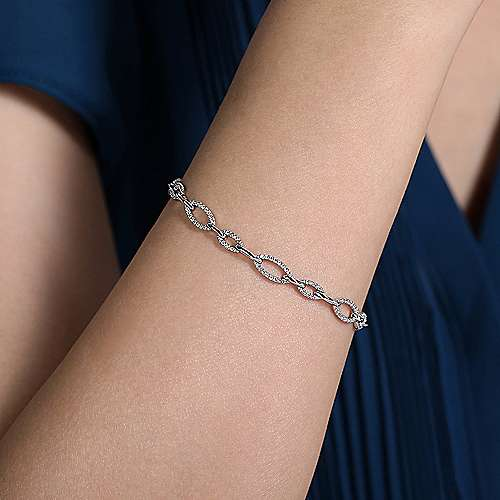 14K White Gold Graduating Diamond Link Tennis Bracelet