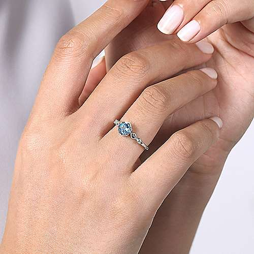 14K White Gold Hexagonal Blue Topaz Diamond Ring