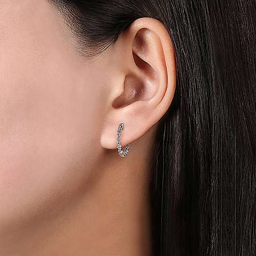 14K White Gold Huggie Alternating Square & Round Diamond Huggie Single Earring