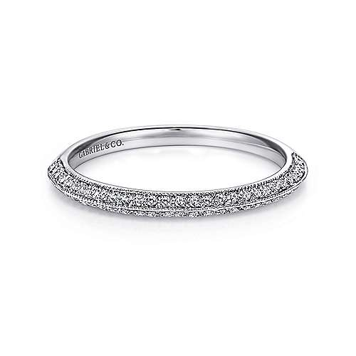 14K White Gold Knife Edge Diamond Anniversary Band with Millgrain