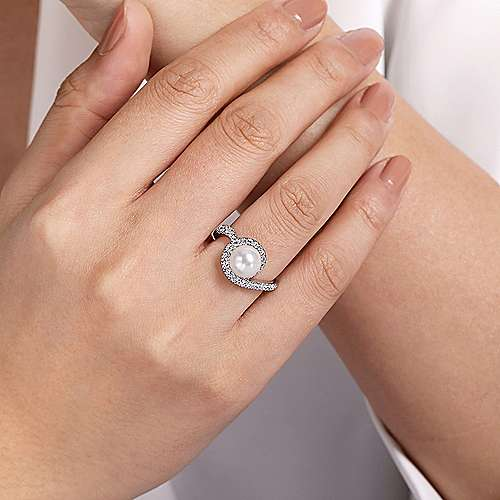 14K White Gold Pearl Ring with Curved Diamond Wrap Halo