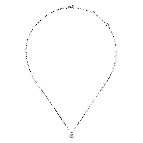 14K White Gold Round Diamond Cluster Pendant Necklace