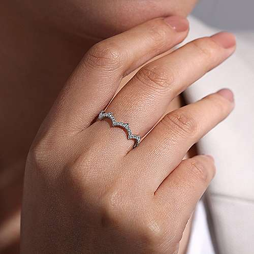 14K White Gold Scalloped Diamond Ring