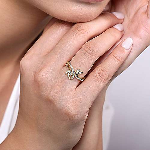 14K Yellow Gold Bypass Leaves Diamond Ring