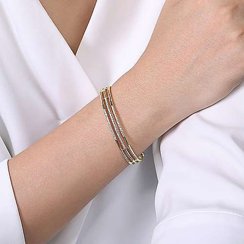 14K Yellow Gold Chain Link Bangle with Diamond Frame