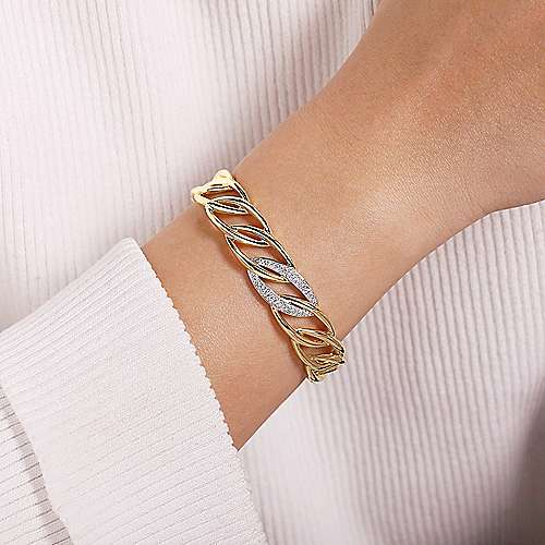 14K Yellow Gold Chain Link Cuff Bracelet with White Gold Pavé Diamond Station