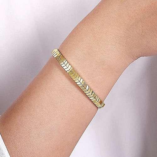 14K Yellow Gold Chevron Pattern Cuff Bracelet