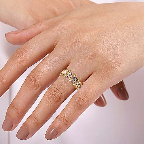 14K Yellow Gold Diamond Cluster Station Wide Ring