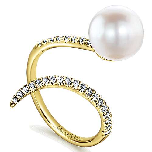 14K Yellow Gold Pavé Diamond & Cultured Pearl Ring