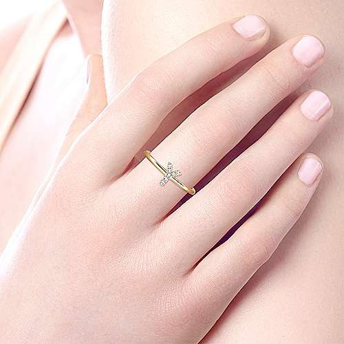 14K Yellow Gold Pavé Diamond Uppercase Y Initial Ring