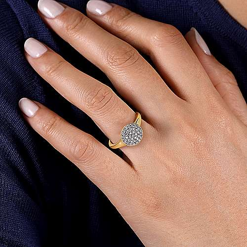 14K Yellow Gold Round Diamond Pavé Ring