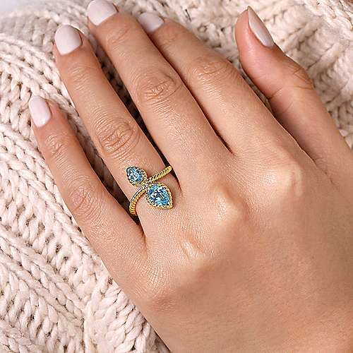 14K Yellow Gold Twisted Rope Two Stone Ring