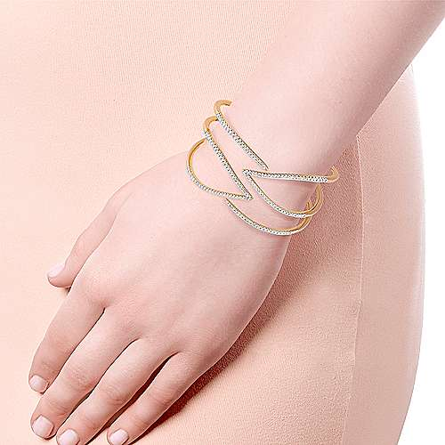 14K Yellow Gold Wide Diamond Hinge Open Bangle