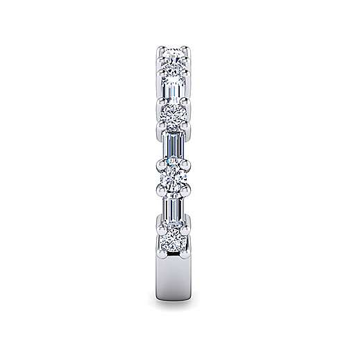 14k White Gold Baguette & Round Stone Shared Prong Band