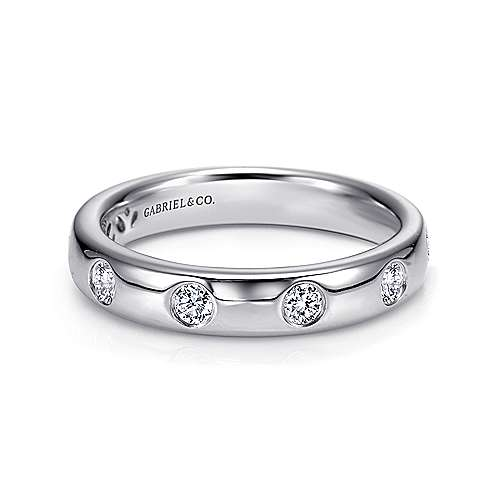Gabriel - 14k White Gold Burnished Set Round 7 Stone Diamond Anniversary Band