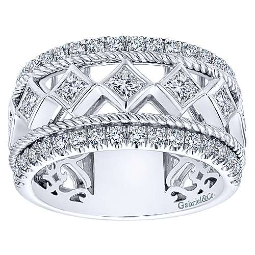 14k White Gold Fancy Anniversary Band