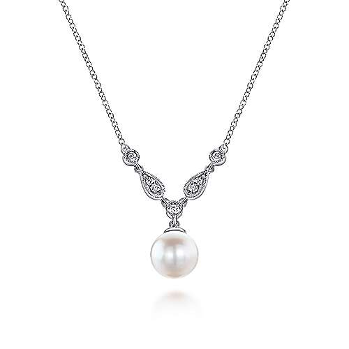 14k White Gold Grace Fashion Necklace