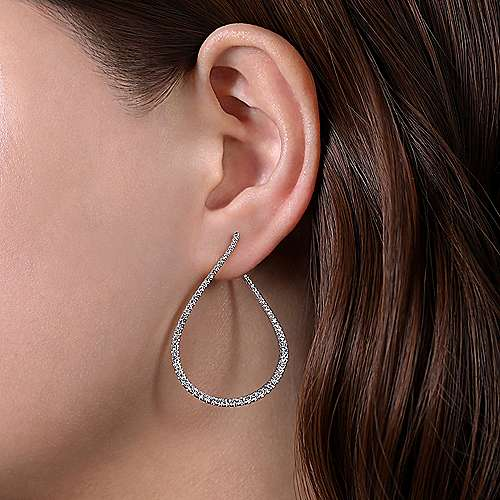 14k White Gold Lusso Intricate Hoop Earrings angle 2