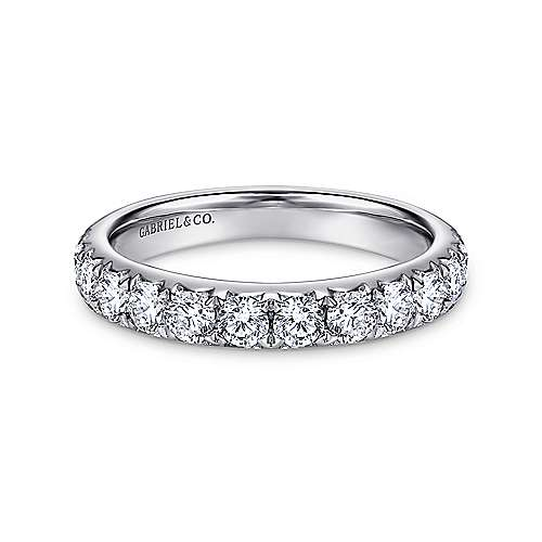 14k White Gold Round 14 Stone Diamond Anniversary Band angle 1