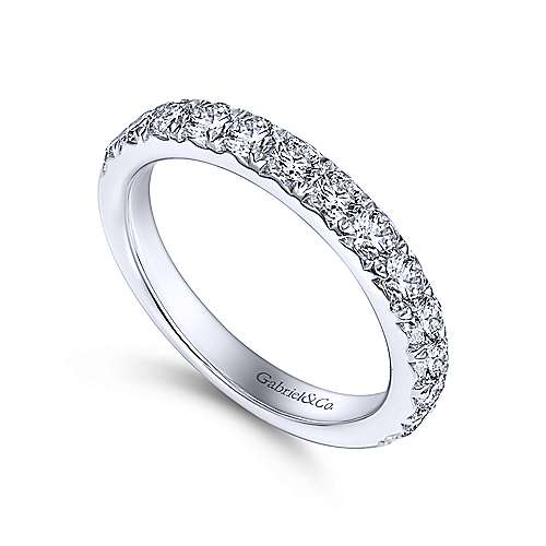 14k White Gold Round 14 Stone Diamond Anniversary Band angle 3