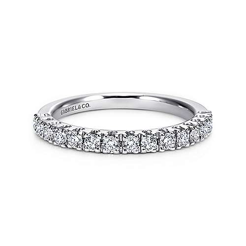 14k White Gold Round 15 Stone Diamond Anniversary Band angle 1