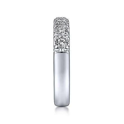 14k White Gold Round 7 Stone Diamond Anniversary Band