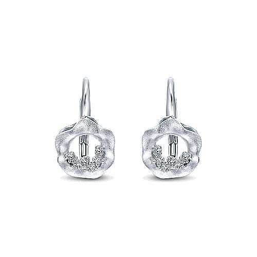 14k White Gold Souviens Drop Earrings angle 1