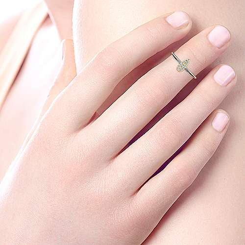 14k Yellow Gold Midi Ladies' Ring angle 5