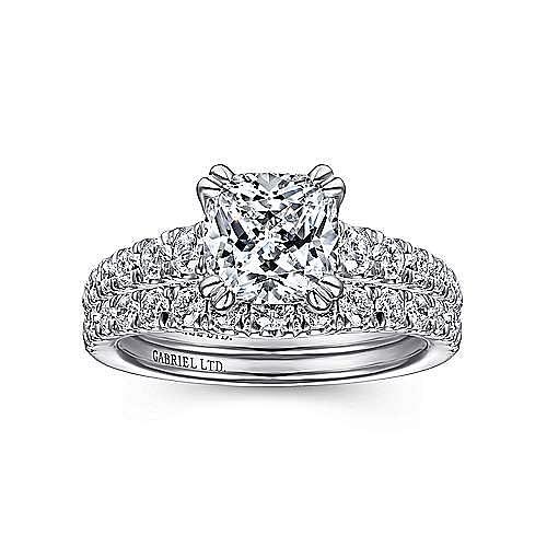 18K White Gold Cushion Cut Diamond Engagement Ring