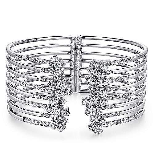 18K White Gold Diamond Bangle