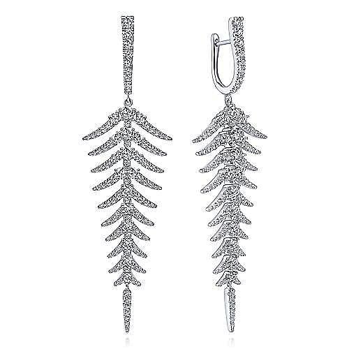 18K White Gold Diamond Fishbone Linear Huggies