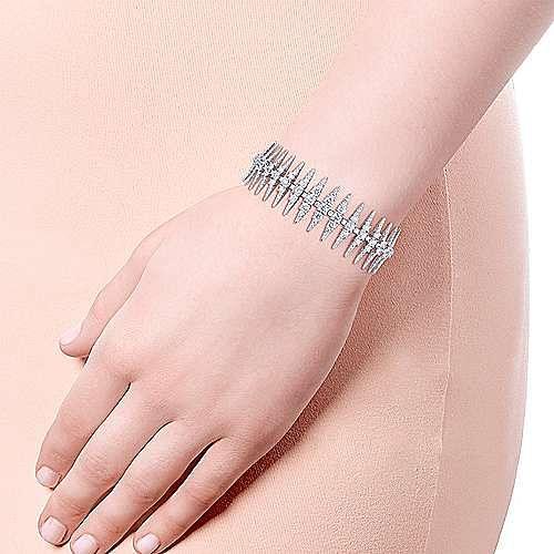 18K White Gold Diamond Spikes Tennis Bracelet