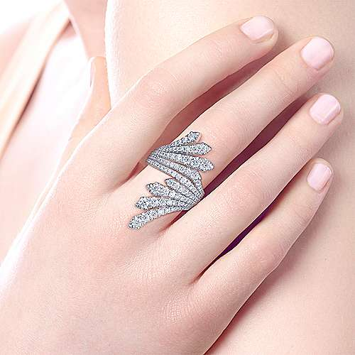 18K White Gold Dramatic Wide Band Diamond Fan Ring