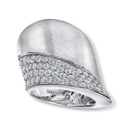 18K White Gold High Polished and Diamond Pavé Statement Ring
