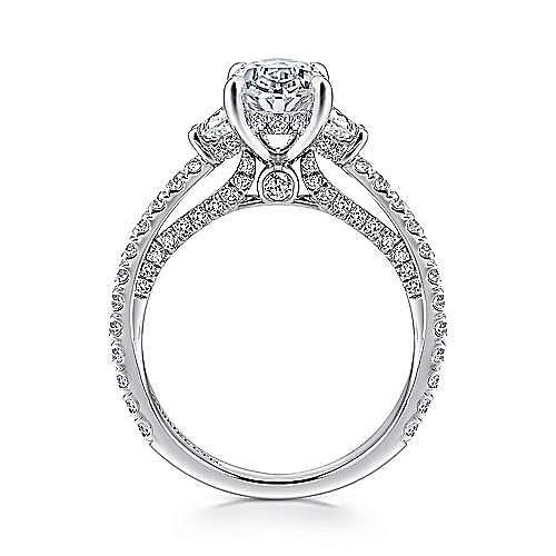 18K White Gold Oval Diamond Engagement Ring