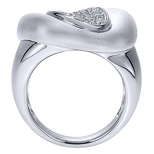 18K White Gold Oval Pavé Diamond Center Statement Ring