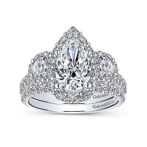 18K White Gold Pear Shape Diamond Engagement Ring