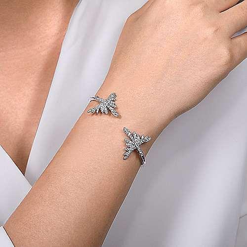 18K White Gold Split Diamond Pavé Fan Bracelet