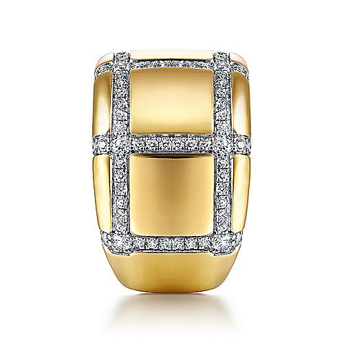 18K Yellow Gold Wide Band Ring with Checkered Diamond Pattern