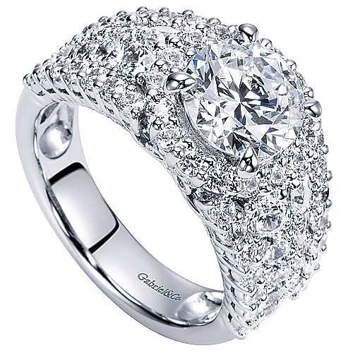 18k White Gold Round Halo Engagement Ring angle 3