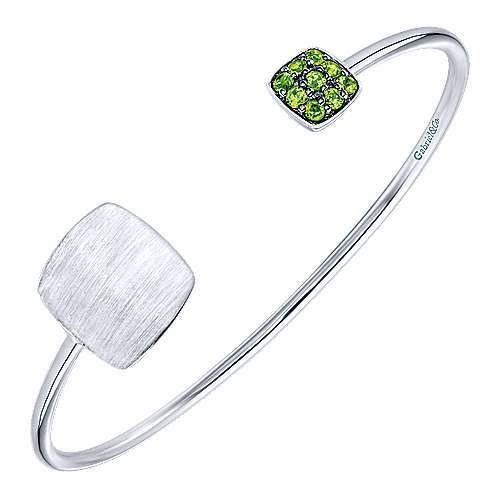 925 Silver Peridot Engravable Bangle angle 2