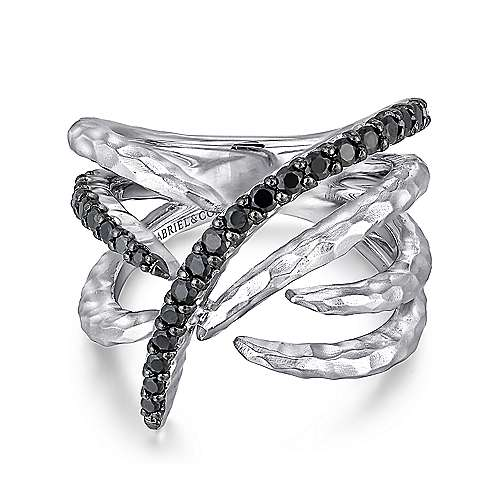 925 Sterling Silver Hammered Black Spinel Criss Crossing Ring